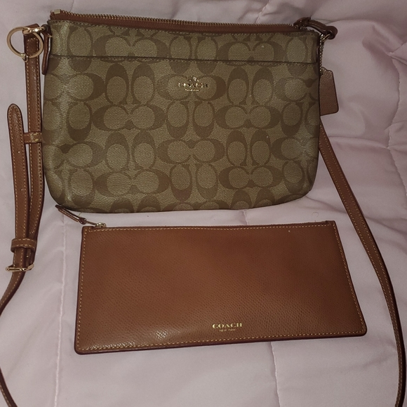 Coach Signature East West Pop Crossbody bag Khaki